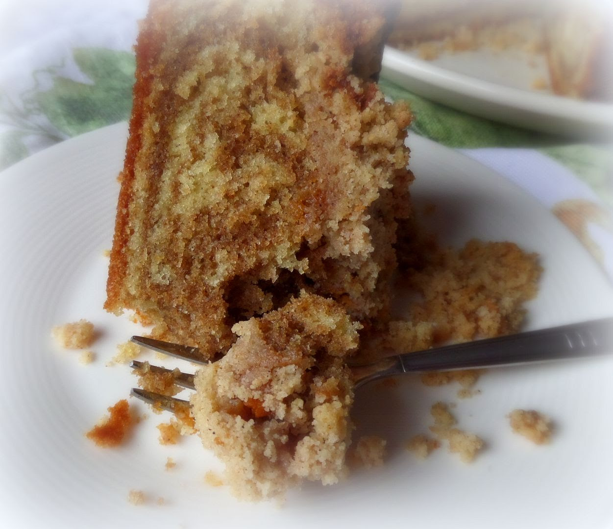 Marbled Spice Crumble Cake