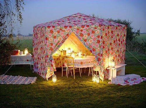 party in the garden (via Pinterest)