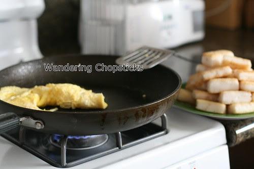 Banh Bot Khoai Mon Chien Xao Cai Xoan (Vietnamese Fried Taro Cake Stir-Fried with Kale) 9
