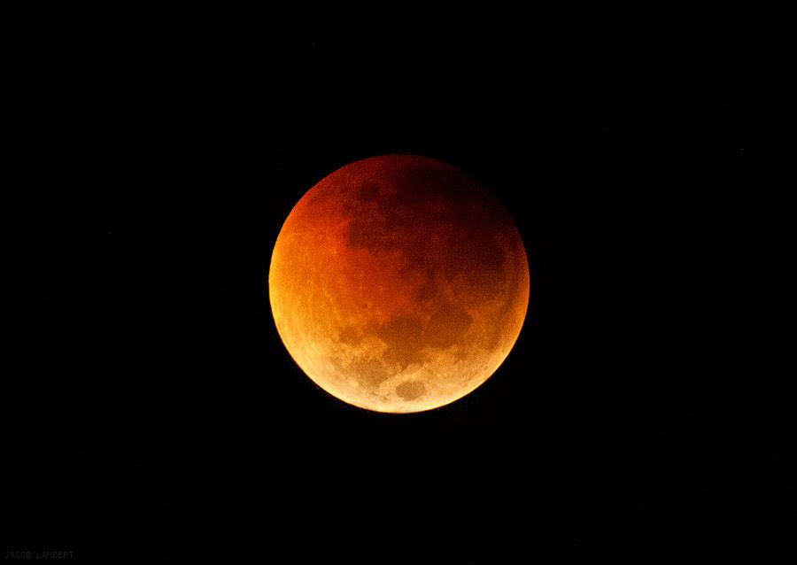 lunar eclipse 160611