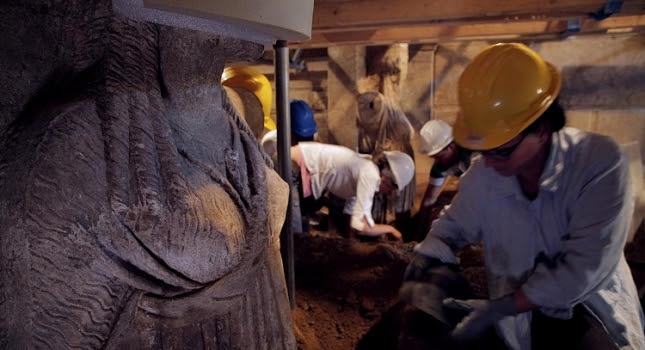 Αμφίπολη: Νέες φωτογραφίες με ολόσωμες τις Καρυάτιδες (pics)