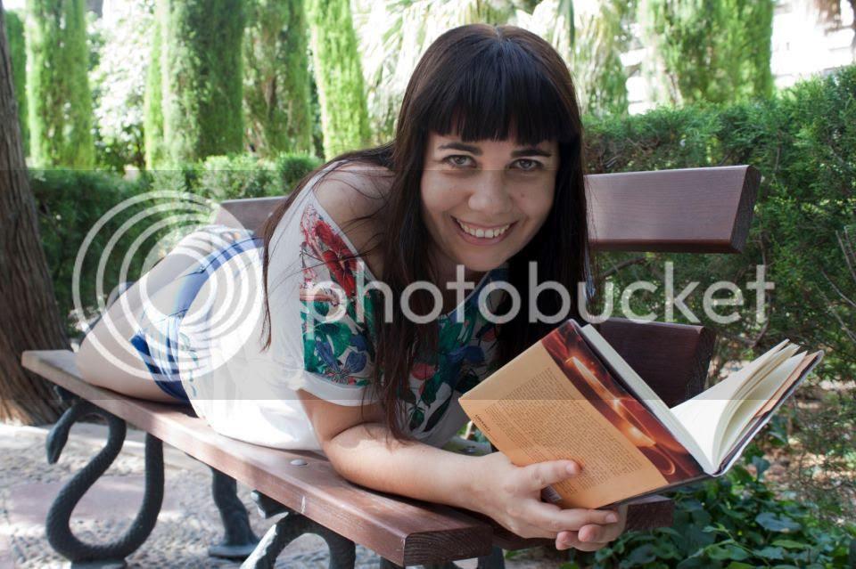 http://i866.photobucket.com/albums/ab228/MientrasLees/articulos/294501_4371393253364_1240987750_n.jpg