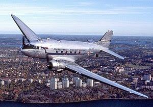 Douglas DC-3, SE-CFP.jpg