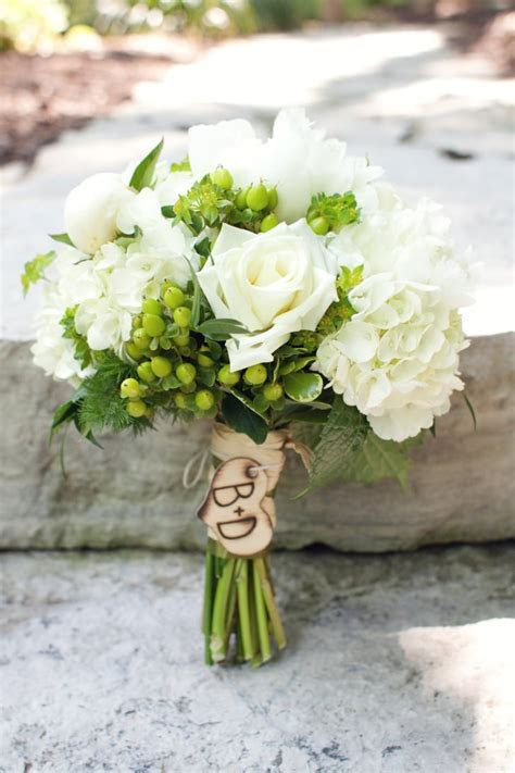 Monogrammed   Alternative Wedding Bouquet Pictures
