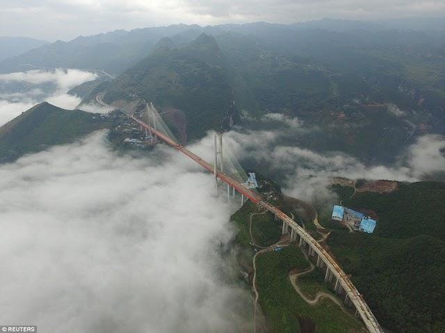 الصين تكمل بناء أعلى #جسر في العالم على ارتفاع 1850قدم