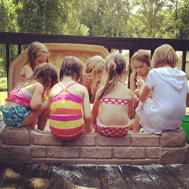 How many kids can you put in a baby's sandbox?