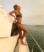 Ana Lucia Matos Matos sensual nas redes sociais