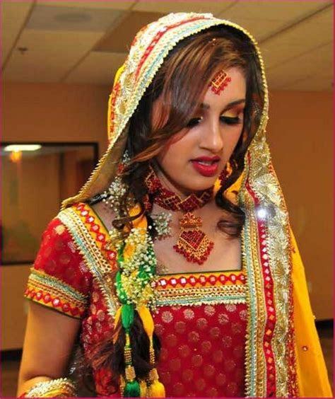 mehndi dress designs   Girls Mag