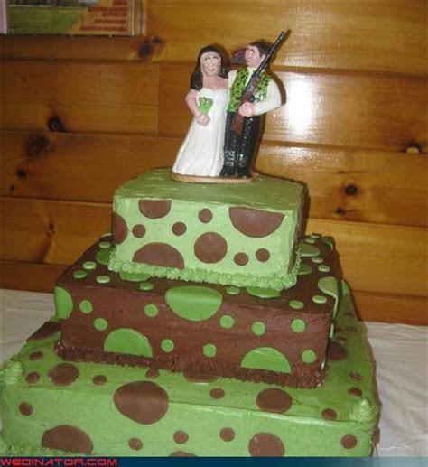 Wedinator   ugly wedding cake   funny wedding photos