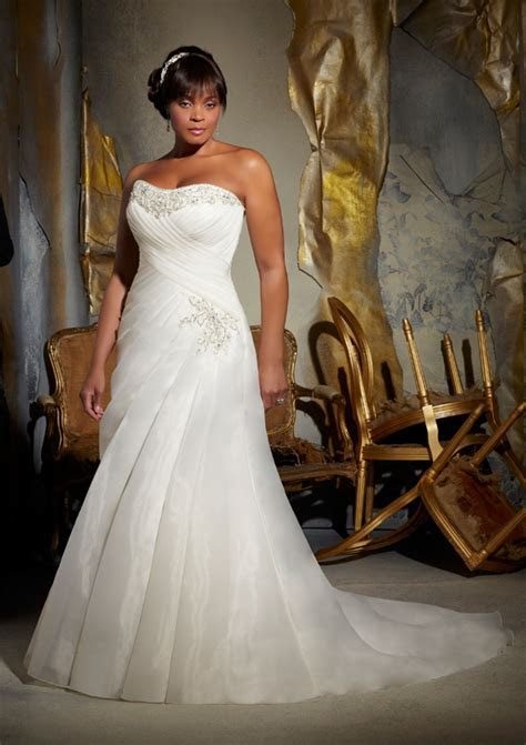 Full Figured Wedding Dresses by Mori Lee   Bitsy Bride