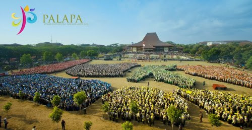 dream it and make it happen :) Do you know how it feels? you just cry, you can't talk :') I dream it since I was in elementary school I wish I could be a part of Gadjah Mada :') And LOOK! I'm standing there. With 10.000 others. as GADJAH MADA MUDA 2012 :) Do you know how it feels? you just cry, you can't talk :')