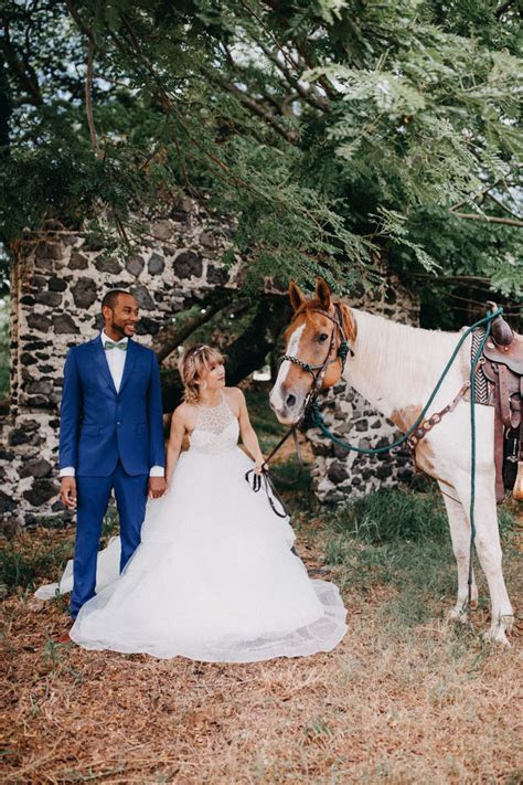 This Retro Hawaiian Wedding at Kualoa Ranch was Full of