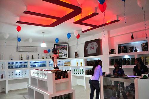 Inauguracion Licor Store 40-40