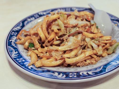 木須炒麵 (mushu knife cut noodles)