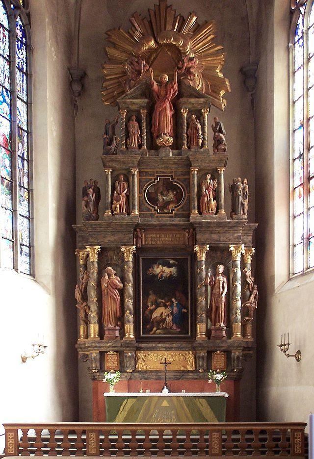 Jakobs kyrka altar.jpg