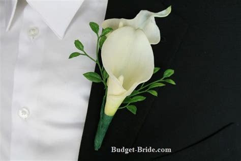 Best 25  Calla lily boutonniere ideas on Pinterest   Calla