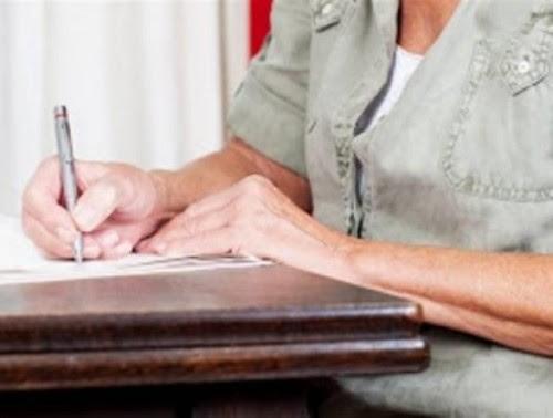 επιστολή-96χρονης-δανειολήπτριας-σε-τράπεζα-που-πραγματικά-τα-σπάει