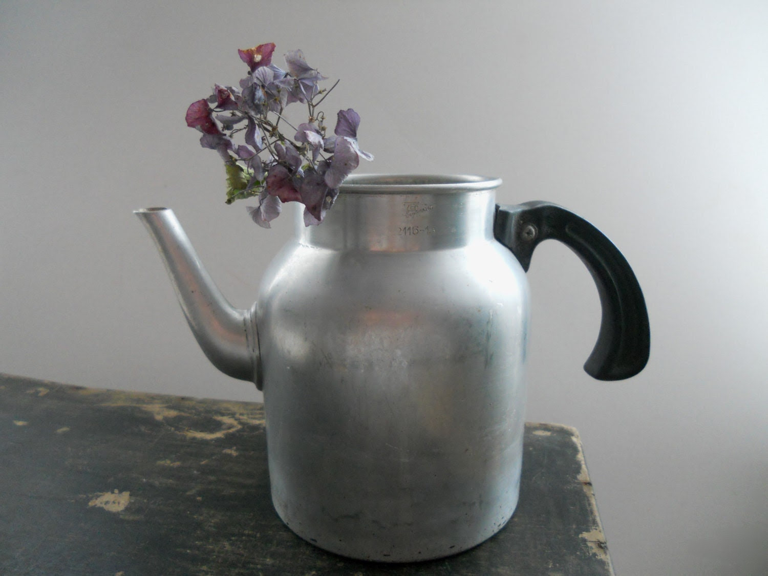 Vintage aluminium jug Aluminium can 1.5liter can Farmhouse kitchen decor - TasteVintage