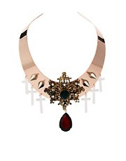 Collar rígido de estilo barroco con incrustaciones de piedras de ASOS Premium