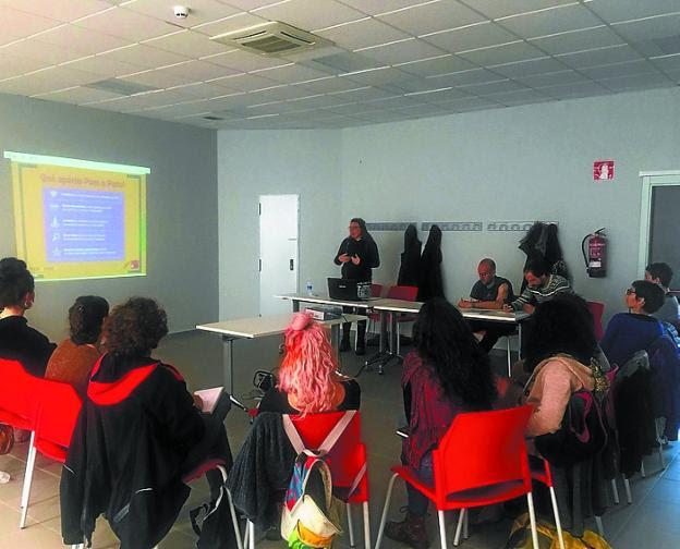 Concepto emergente. Olatukoop explicó a varias empresas cómo funcionan las redes catalana y vasca de Economía Social Transformadora./