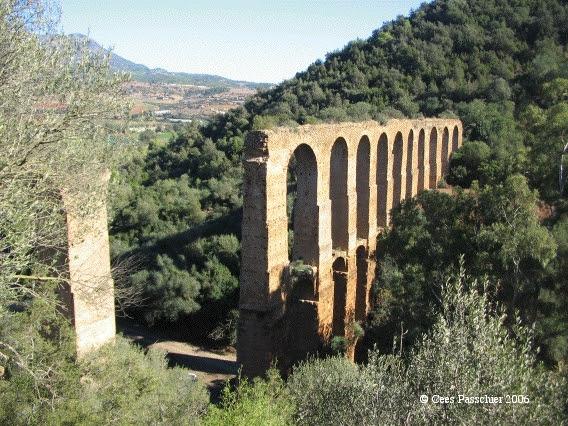 http://www.romanaqueducts.info/aquasite/foto/ilelouine4.jpg