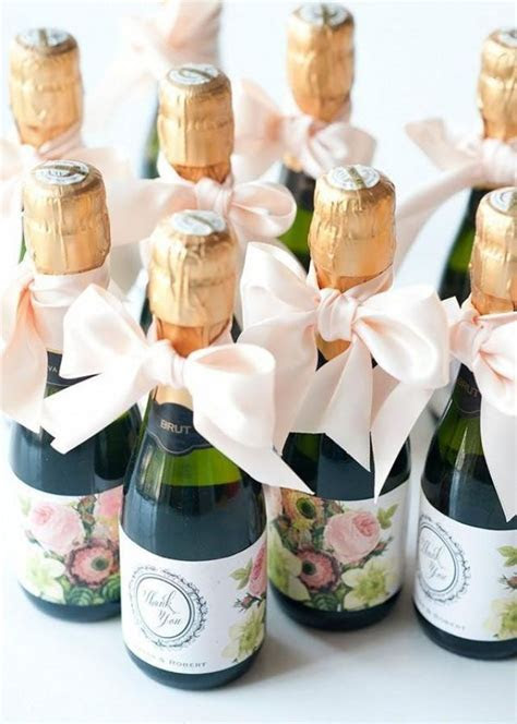 10 Wedding Favors Your Guests Won't Hate! #2368152   Weddbook