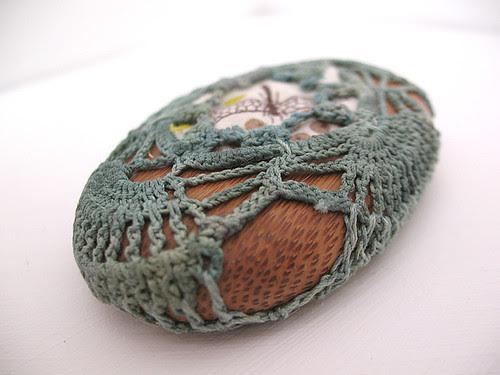 Crochet stone 1