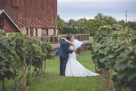 Over The Vines   Vineyard & Wine Barn   Edgerton WI