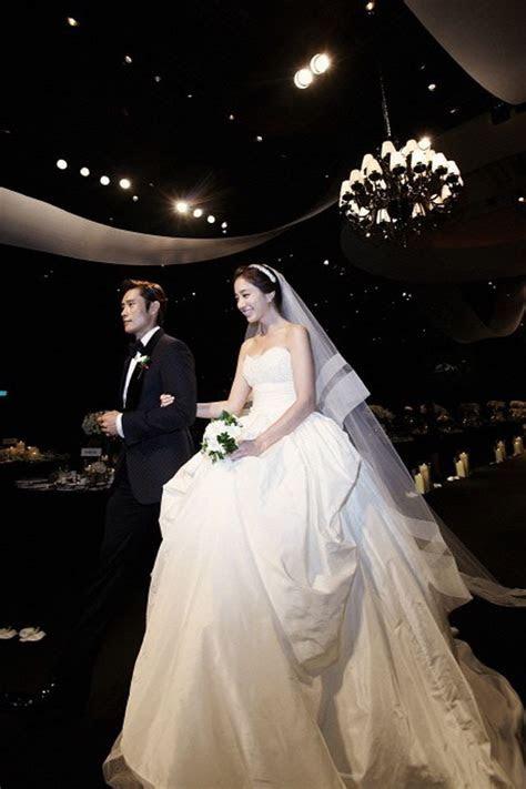 Korean Star Lee Min Jung Wear 3 Dresses at Her Wedding