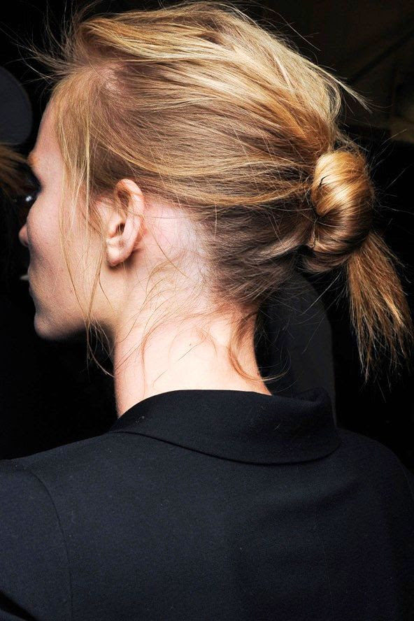 Le Fashion Blog Hair Inspiration Effortless Knotted Bun Wavy Up Do Backstage Narciso Rodriguez FW 2011 photo Le-Fashion-Blog-Hair-Inspiration-Effortless-Knotted-Bun-Wavy-Up-Do-Backstage-Narciso-Rodriguez-FW-2011.jpg