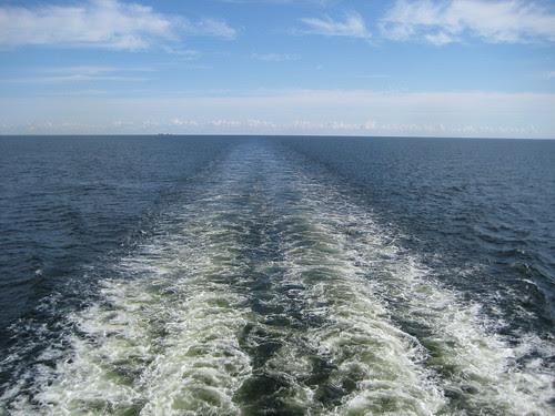 merellä