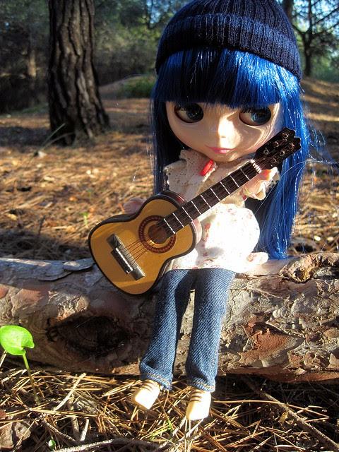 Guitar & Blythe