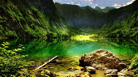 koenigssee mountain lake   bavarian alps lake