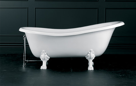 Roxburgh Victorian Slipper Style Bathtub. Manufactured by Victoria + Albert. Photography by Chris Crumley.