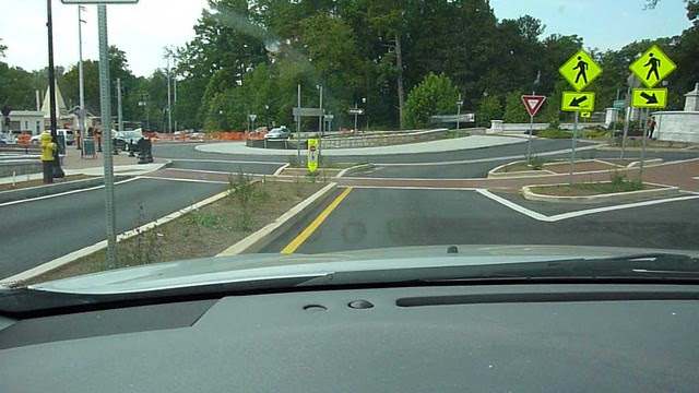 P1000222-2011-09-19-Emory-Village-Traffic-Circle-VIDEOpreview