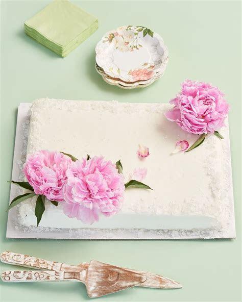 Best 25  Wedding sheet cakes ideas on Pinterest   Wedding