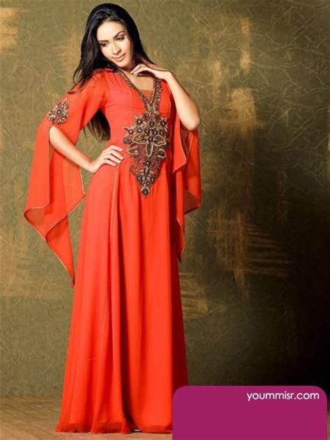 fashion arab women  kuwait dresses long