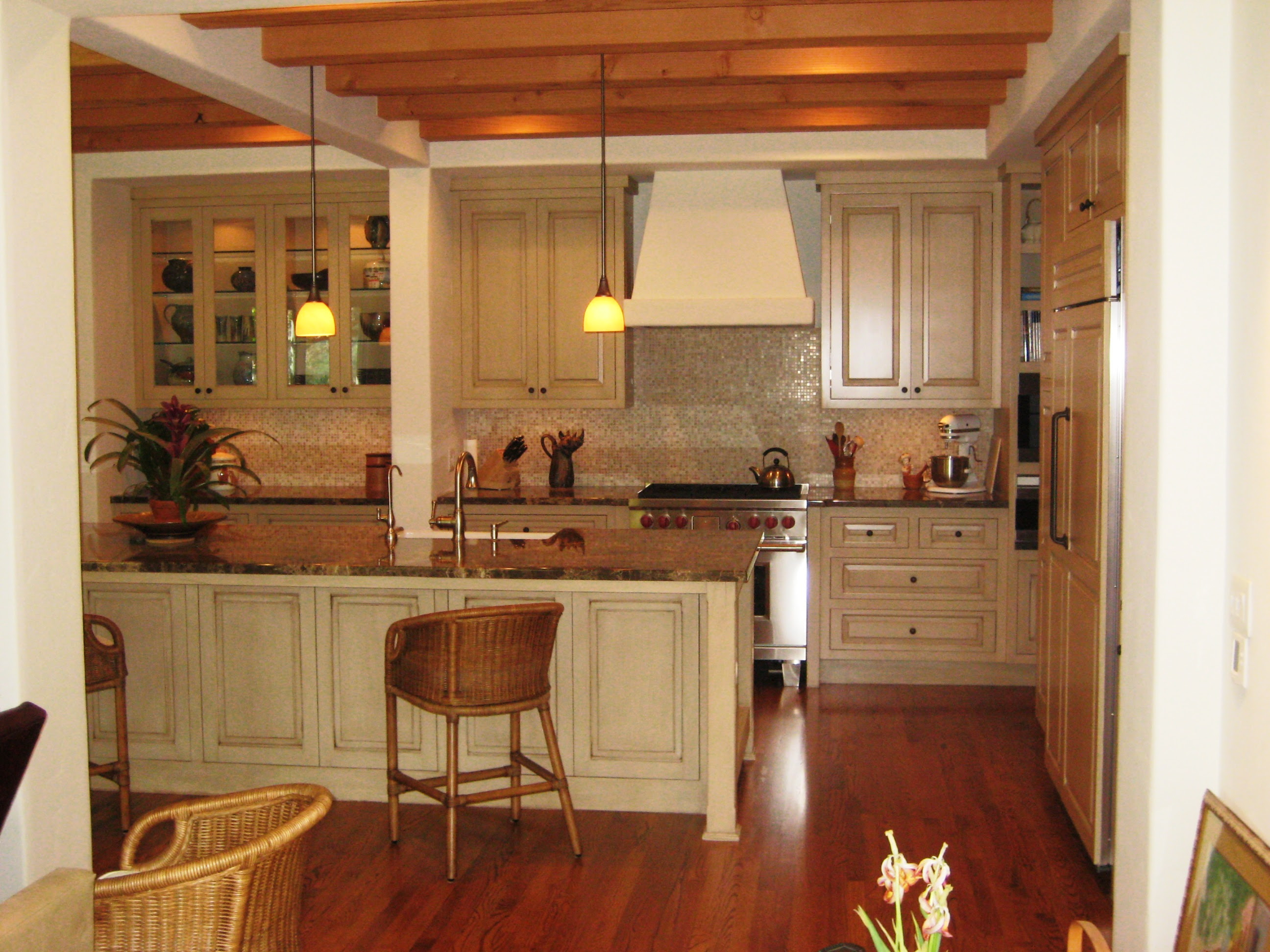 Antique kitchen 021 | Custom Cabinets by Mahnken Cabinets