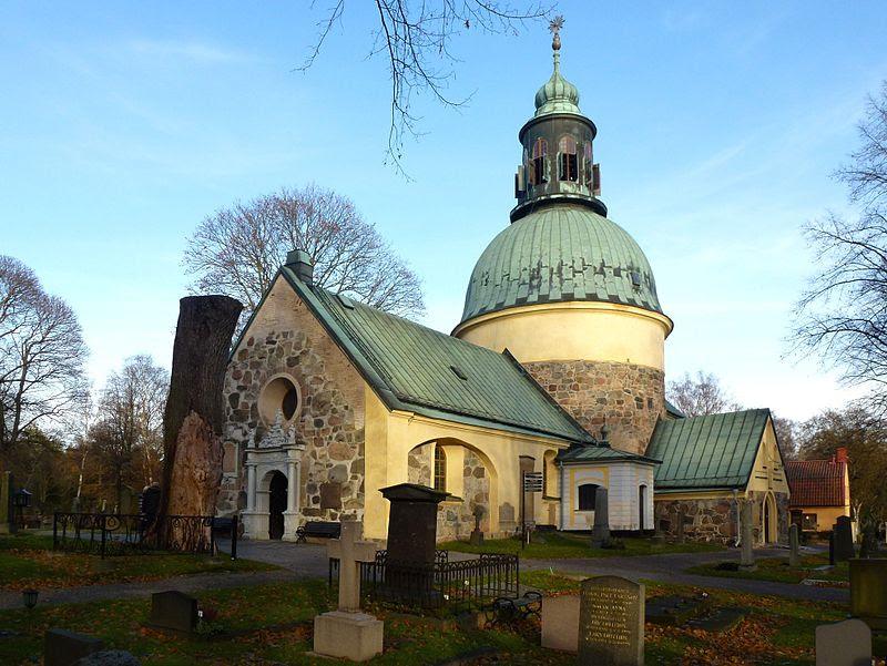 Solna kyrka i oktober 2012
