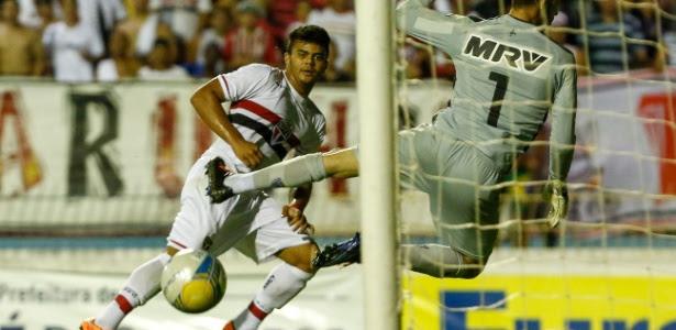 Vice-artilheiro da Copa SP, João Paulo foi comparado a Hulk por chute forte de canhota