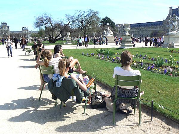 farniente aux Tuileries.jpg