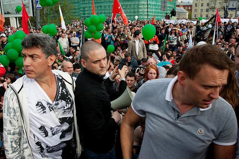 Немцов, удальцов и Навальный на Болотной 6 мая 2012