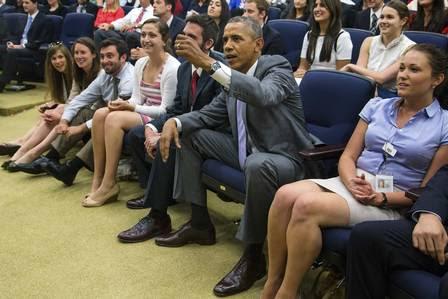 Obama acompanhou a partida contra a Bélgica ao lado de seus assessores