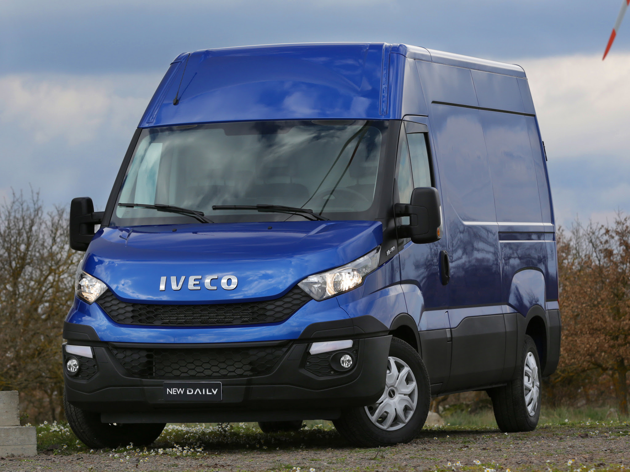 Iveco Reveals The New Daily For 2014 Say Its 80 Redesigned Autoevolution