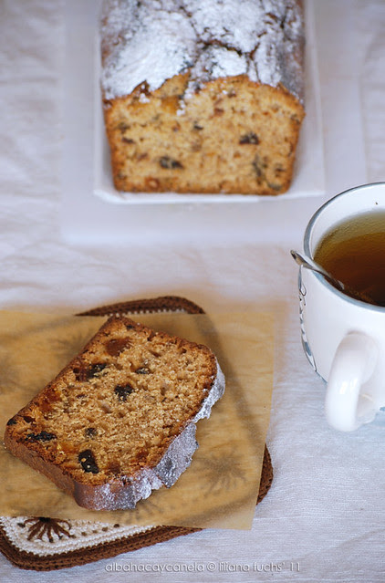 Fruit earl grey bread