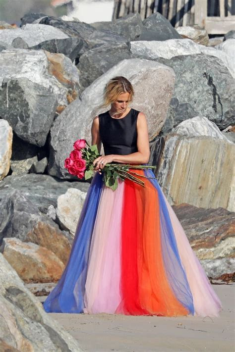 Julia Roberts   Photoshoot on the Beach in Malibu