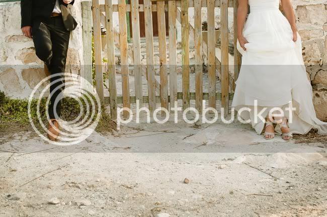 http://i892.photobucket.com/albums/ac125/lovemademedoit/welovepictures/MarkJess_129.jpg?t=1331675927