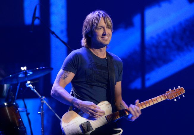 Keith Urban : American Idol (3/28/13) photo Keith-Urban-Idol-CelebrityBug.jpg