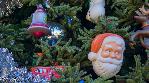 Disneyland Resort, Disney California Adventure, Buena Vista Street, Christmas Time, Christmas, Tree