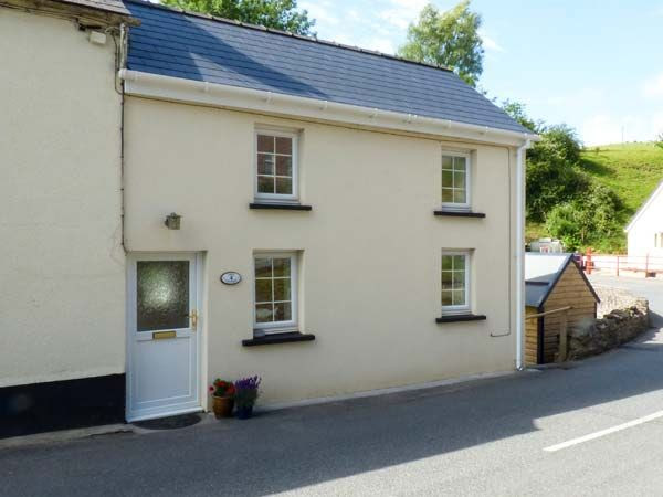 Cosy Cottage  St Clears  Meidrim  Self Catering Holiday Cottage